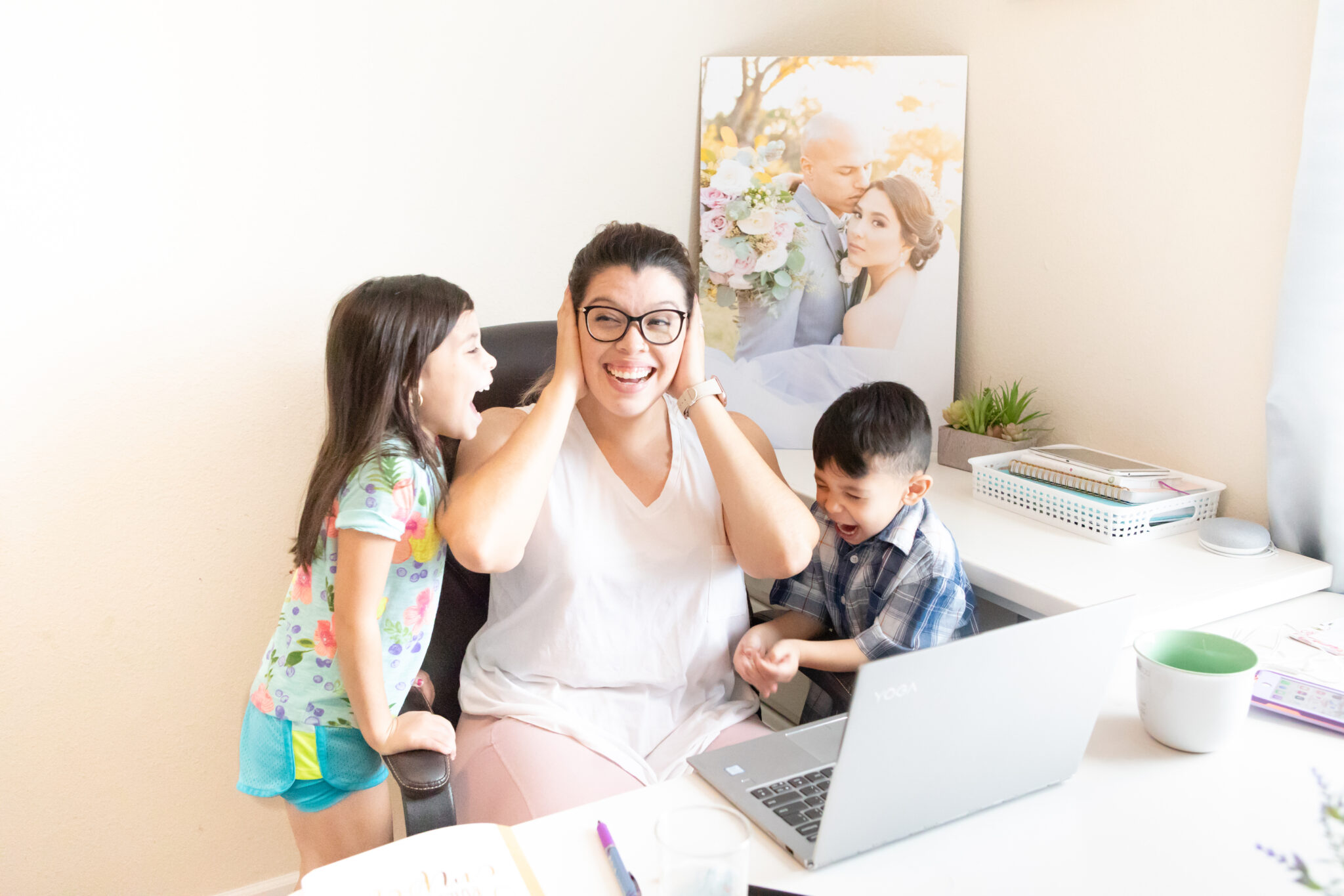 How to have a business while being a mom by Paty Araujo Photography.