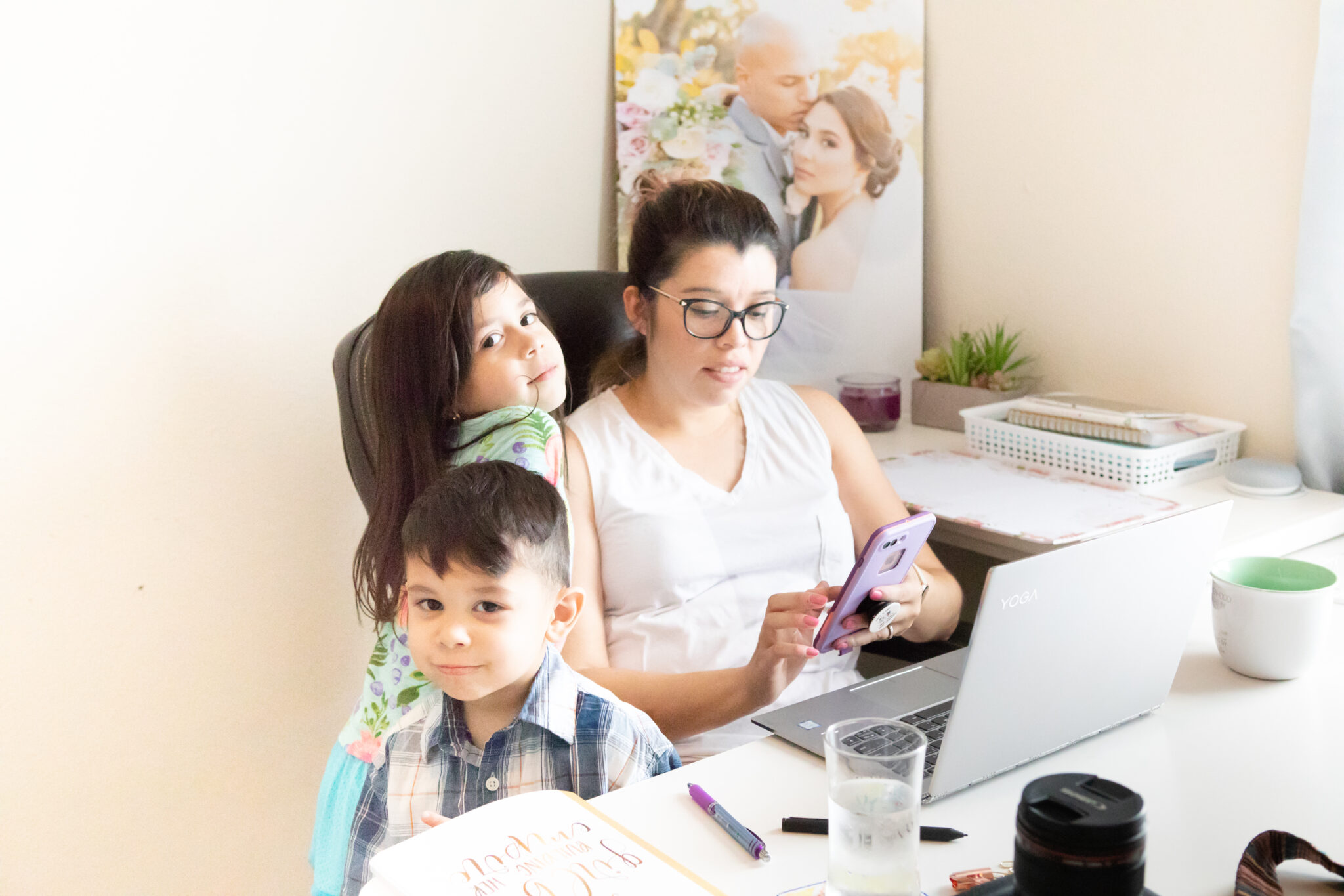 Working while having children by Paty Araujo Photography
